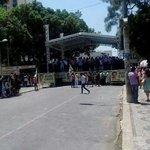 RT @SOS_RIO: Quem conhece o Aécio nao vota nele -> Comício pró-Aécio ontem, em Teófilo Otoni, MG #QueroDilmaTreze http://t.co/IjBPciNnSk