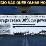 """""""@IrritarTucano: #DebateNaRecord #QueroDilmaTreze Aécio não quer olhar pra trás... por que será? http://t.co/a7s0nxUErx"""""""