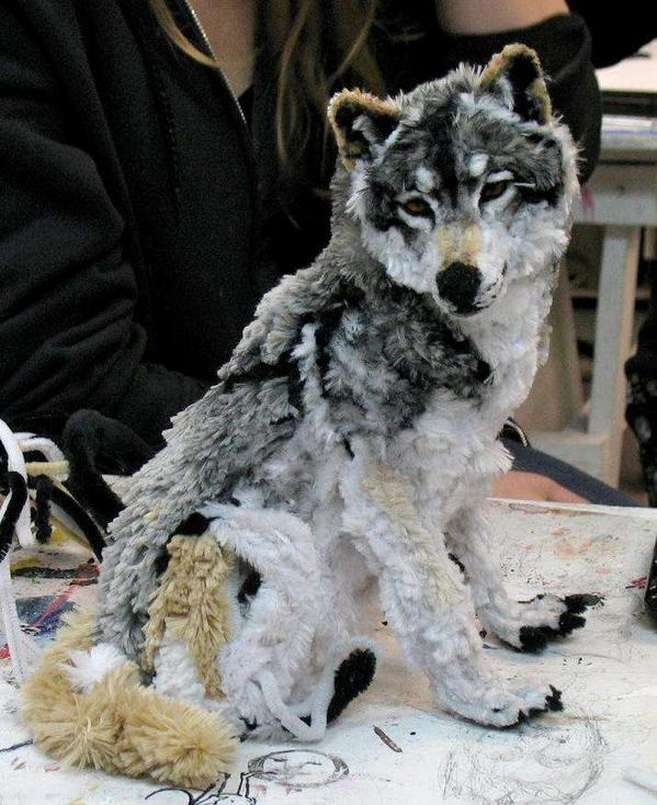 This wolf is a sculpture made of pipe cleaners. http://t.co/jL49rpbCPR