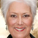 """@itvnews: Actress Lynda Bellingham dies after cancer battle, agent confirms http://t.co/2tG2oliSGW http://t.co/CBUkEPBRbI"" RIP Linda ✨????????"