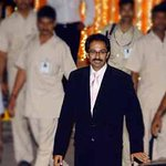 Waiting by the telephone: Shiv Senas Uddhav dials #Modi, but is left on hold Read: http://t.co/BCGRaQOToo http://t.co/DCU2rRlYZY