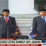 RT @Metro_TV: Istana sambut #PresidenJokowi dan melepas SBY, LIVE NOW http://t.co/jMf6U0vM3x http://t.co/beQRkQphp3
