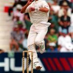 Happy birthday to Proteas bowling coach and SA legend, Allan Donald.  We hope you had a fantastic day. #ProteaFire http://t.co/nKKdIraL9h