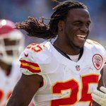 Charles becomes #Chiefs' all-time leading rusher in spectacular fashion. http://t.co/A3sue54bX0 http://t.co/pnO47FpsHB