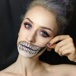 ???? RT @mashable: 28 creepy #Halloween makeup ideas that look a little too real: http://t.co/f10dsu7Zwr http://t.co/2KoFNDBqy8
