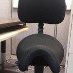 RT @livedoornews: 【どうなのか】気まずい?変わったデザインのイス http://t.co/7sB71XG98K 背中や腰にかかる負担をやわらげるようにデザインされている「サドル・チェア」。「これに座っている人と話すのは、ちょっと気まずい」との声も。 http://t.co/CpPdBV4LOw