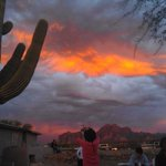 RT @ArizonaNewsnet: RT @wildjhovall: Sunset near the Superstition Mountains. http://t.co/yzbvIbR5Wj
