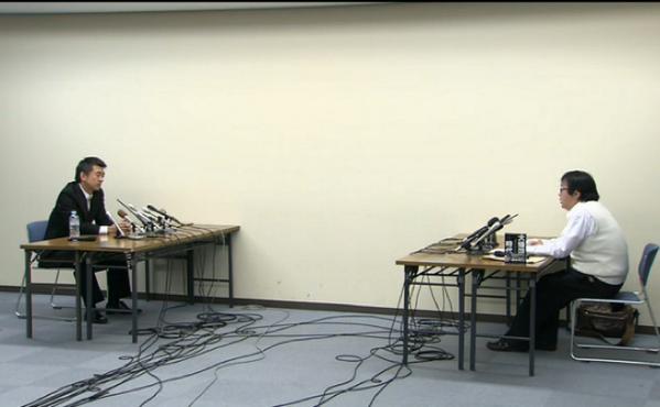 橋下市長と在特会桜井会長が面会。「お前みたいな差別主義者はな、大阪にいらない」「首長ごときが言うな、飛田新地へ帰れ」「ここは大阪市役所だぞ、お前が帰れ」「弱虫」など、激しい応酬に。  http://t.co/2GQEQFGxV1 http://t.co/gqYAJ2CXJi