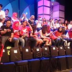 RT @welovehonda: Suasana penonton @HitamPutihT7 padahal acaranya belum mulai. :D #SatuHatiJuara http://t.co/A7J6nQ0amA