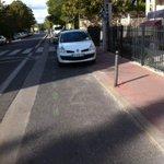 Top cette piste était encore bien barrée par les voiture un samedi après-midi à #Montpellier .@UrbanBikeMtp http://t.co/RHtGc7MsnJ