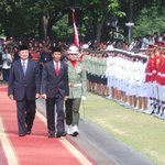 SBY: Selamat Bertugas Bapak Presiden dan Ibu Negara http://t.co/A2Skzl49K0 #IndonesiaBaru http://t.co/T2czXEd0Zr