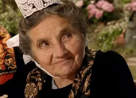 Maria Lambour, 103 ans et star des pubs Tipiak, est décédée >>http://t.co/9pjY4m2y9s #Tipiak http://t.co/66bkIcEYPb
