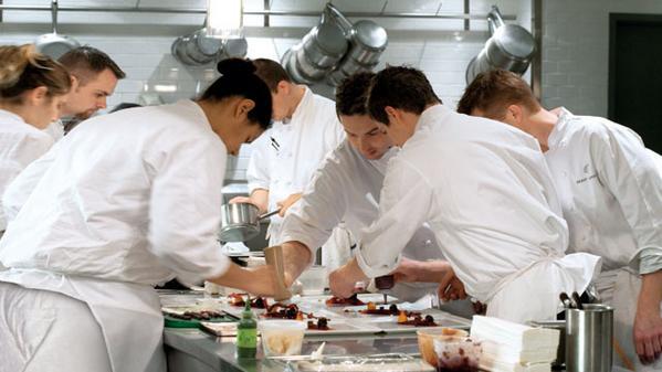"""""""Un #chef no tiene una vida desorganizada, es solo que tiene un ritmo de vida particular"""". #DiaInternacionalDelChef http://t.co/vZSggxVxMa"""