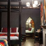 Live like a wizard in a 'Harry Potter'-themed hotel suite. http://t.co/Oi2tNuVmS2 http://t.co/mq12DCYKzi