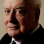 Former prime minister Gough Whitlam has died at the age of 98. http://t.co/gxhLad5Zhr http://t.co/6qnppuF7NW