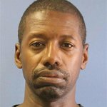 #BREAKING Convicted sex offender Darren Vann IDd as suspect in deaths of 7 women in Indiana: http://t.co/ywomR6DA99 http://t.co/ArhXfXPeMO