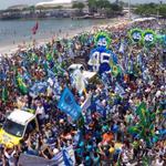 RT @rafasoli: #EmTodoBrasilAecio45 Mais de 20 mil no Rio!! Alegria, democracia e liberdade http://t.co/j0BNMcDRin http://t.co/zxx1Jl8kTD