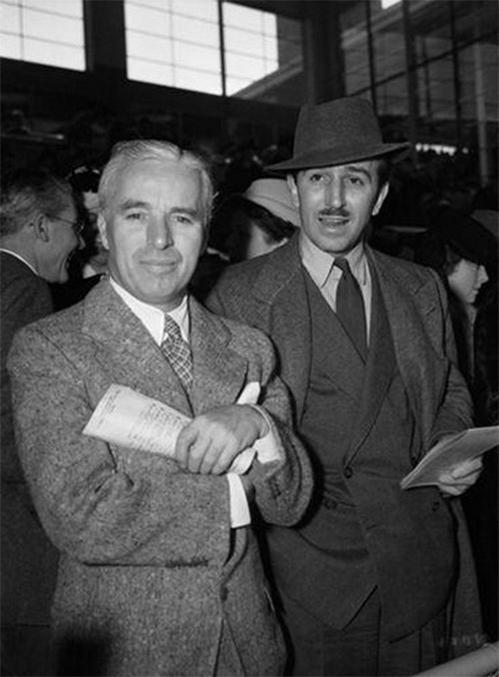 Charlie Chaplin and Walt Disney at the race track, 1939. http://t.co/p3LAxfNuRY