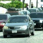 Usuarios hacen largas colas para echar gasolina en Lara http://t.co/AUWupE1Ikz http://t.co/ocKD2lohOn