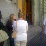 RT @MoskitaMuertaOk: La gente hace cola xa entrar a la Legislatura Porteña declaran a @cuervotinelli Personalidad destacada de la Cultura http://t.co/L3CY3WFoGX