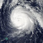 RT @entertainmentIE: If you can hear wind and rain outside, thatll be the aul Hurricane Gonzalo http://t.co/gXd59c9SiN http://t.co/oFY6NG7IhW