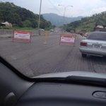 RT @blackman1988: @trafficVALENCIA @eltaximetro razón de la cola en la variante sentido naguanagua! http://t.co/FSIbm9qh9z