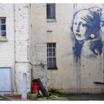 RT @Colossal: Banksy paints Girl with a Pearl Earring http://t.co/gMj40h0qYR http://t.co/94EqcEUBqv