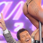 RT @PalabradeJuan: Tinelli personalidad destacada de la cultura. Gracias Macri. http://t.co/VEEBq0SI1r