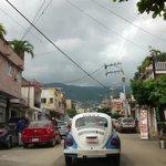 RT @La_Sintesis: Querido @AcapulcoGob si no permitieran talleres mecánicos en vía pública #Acapulco sería feliz. http://t.co/eY8FLDjLMr
