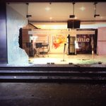 A group of 10 unidentified ppl pelted stones at #Sathyam Theater #Kaathi http://t.co/BfmmbBCAEN