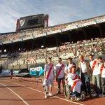 RT @CARPoficial: Los ganadores de la Experiencia Millonaria viajaron con @SomosRiverOk al Monumental. http://t.co/SXa1LUCsLL http://t.co/alaIydKXcd