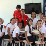 El Programa de Alimentación Escolar (PAE) funciona en 19 mil 841 planteles educativos de toda #Venezuela http://t.co/TrPX74lrfb