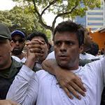 RT @globovision: HRW respalda petición de comisionado de ONU para que liberen a López http://t.co/H5IQQAaHl8 http://t.co/i2642gpVgD