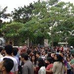 RT @Politica_Santos: A fila p ver Dilma na PUC tá virando a esquina e não dá pra ver o fim. Parece as filas de emprego dos tempos de FHC. http://t.co/i2jjlkex0v