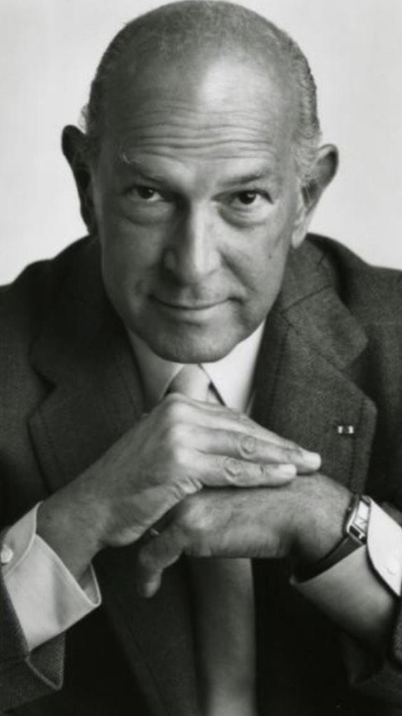 RIP Oscar de la Renta. A true giant of fashion and style. http://t.co/qxBZjJUhv1