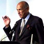 RT @T13Noticias: Fallece el ícono de la moda Óscar de la Renta a sus 82 años. http://t.co/CgQ9AHCN8b