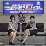 #WartaBDG Alternatif Agar Tdk Antri di SIM Keliling, Coba SIM Outlet Polrestabes #Bandung >> http://t.co/DaWG3NWPyv http://t.co/aSREw2blEL