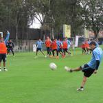 RT @CF_America: Nuestras Águilas culminan el último entrenamiento previo al duelo vs @CremasOficial con trabajo de táctica fija. http://t.co/pHBo4RjygD