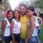 RT @CamiloPSB40: Olha essas estudantes beneficiadas com uniformes do Costura Amapá que também gera renda às costureiras locais. http://t.co/gLsXtY5qEe