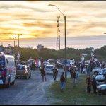 Junto con el atardecer de Colonia estamos en caravana #Uruguaynosedetiene http://t.co/BRb6c6oA2r