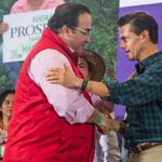 RT @Javier_Duarte: Agradezco el reconocimiento del Presidente @EPN por la nueva #FuerzaCivil de #Veracruz http://t.co/sTVxHFGV9O http://t.co/G2FlelhsXV