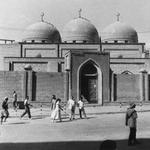 جامع مرجان من المواقع الاثريه يقع في شارع الرشيد الصوره سنة 1960 ........... #العراق http://t.co/fT5iRY7t2X