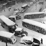 Two-day Snow Storm Shuts Down Traffic All Over New York, Dec. 26-27, 1947 | #NYC #NY http://t.co/0f5pvgRe44