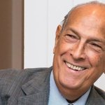 US designer Oscar de la Renta dies aged 82. He was diagnosed with cancer in 2006 http://t.co/Hes4tYXIc6