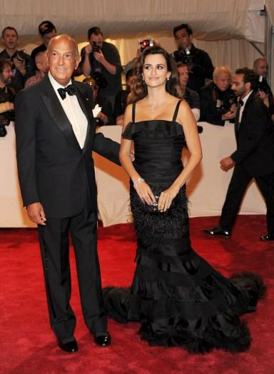 PHOTOS: Oscar de la Renta's impact on the red carpet