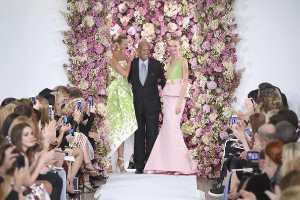 #RIP to legendary designer and fashion's favorite ladies' man, #OscardelaRenta http://t.co/ZgxtxOEeei