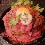 RT @livedoornews: 【肉々しいッ!!】神戸の肉バル「レッドロック」のローストビーフ丼が関東初進出 http://t.co/97AV2BjrCQ 腹ペコ学生が多い東京・高田馬場。ローストビーフてんこ盛りで1070円と、充分なコスパだ。 http://t.co/WuqkDBeVUi
