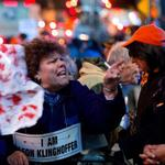 Protesters disrupt The Death of Klinghoffer at the New York Metropolitan Opera http://t.co/c03fqk6736 http://t.co/xQqDoo1aSH