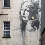 RT @TIME: Banksy parodies Girl With a Pearl Earring in new painting http://t.co/BOAdVXbiRg Photo: Paul Green-Demotix/Corbis http://t.co/ScgUJuZE19