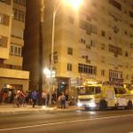 RT @lavozdigital: Desalojan a un centenar de vecinos de un edificio al arder una tienda de golosinas en #Cádiz http://t.co/3Azs1dZmnA http://t.co/l0R3v70unJ